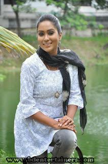 Bangladeshi Model And Actress Zakia Bari Momo Unseen Photos