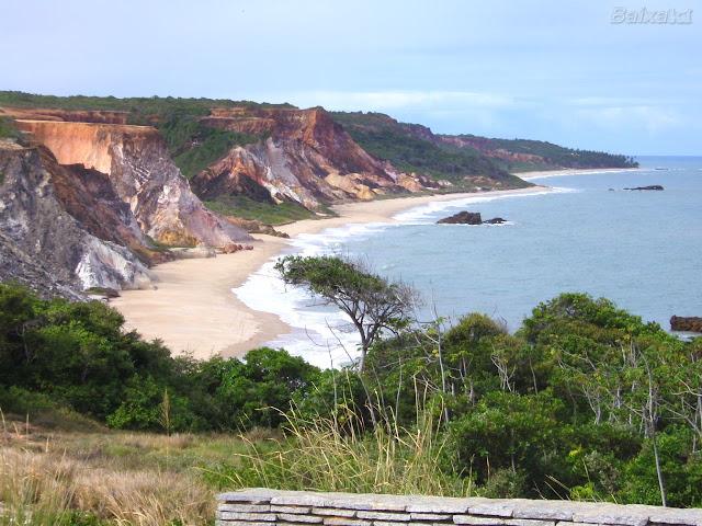 Vista das falesias da praia de Tambaba - PB