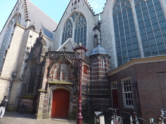 Oude Kerk, Quartier Rouge, Amsterdam, elisaorigami, travel, blogger, voyages, lifestyle
