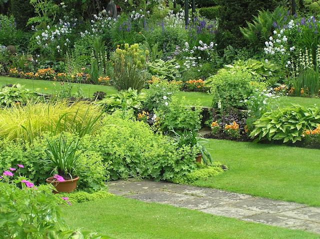 ogród angielski, kamienna ścieżka, ogród formalny, wgłębnik