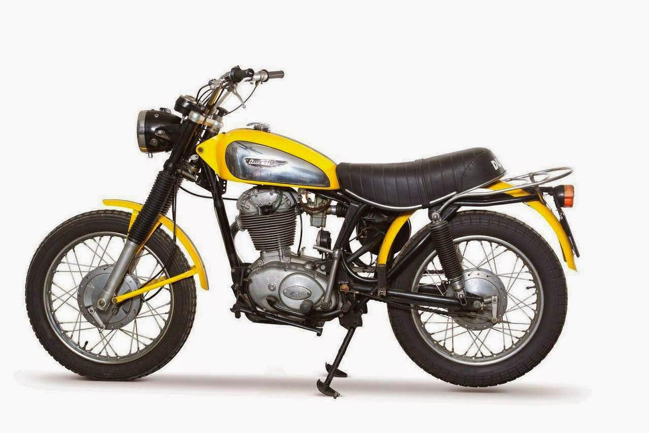 moto custom ducati scrambler 1970 vs classic 2015. Black Bedroom Furniture Sets. Home Design Ideas