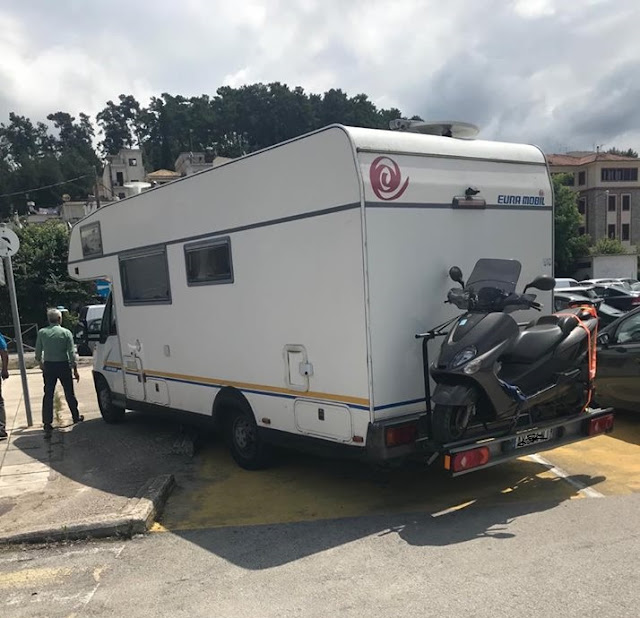 Ηγουμενίτσα: Το ... εισαγόμενο παρκάρισμα της ημέρας