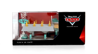 disney pixar Cars Flo's V8 Cafe Playset Precision Series