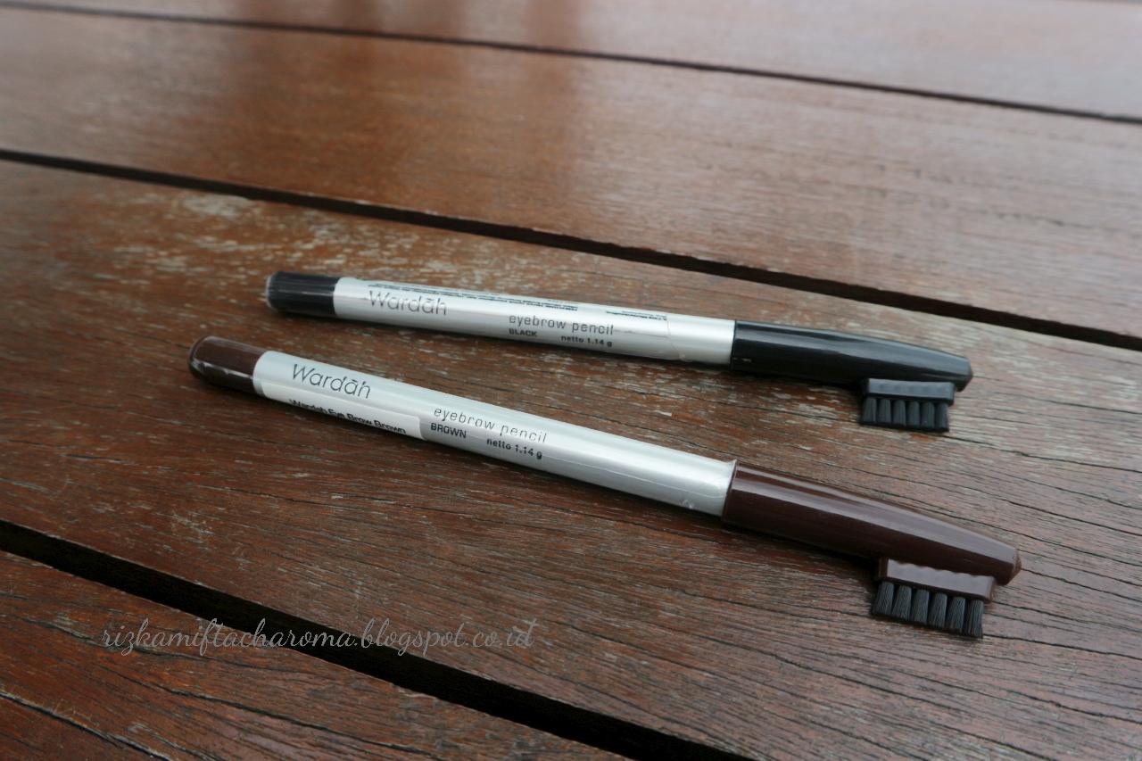 Rizka Mifta Charoma Review Wardah Eyebrow Pencil Eyebrowpensil Alis Pensil Yup Walaupun Rambut Udah Lebat Tapi Kayaknya Kalau Nggak Gambar Itu Kurang Hehehe