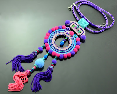 Popmpoms and tassels necklace Berwarna in boho style