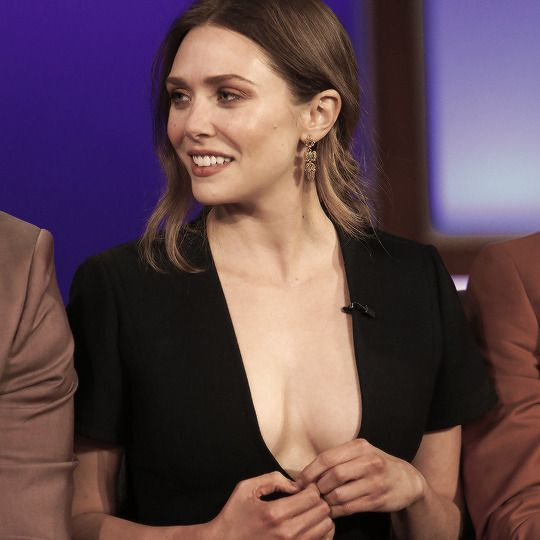Elizabeth Olsen Looks So Hot