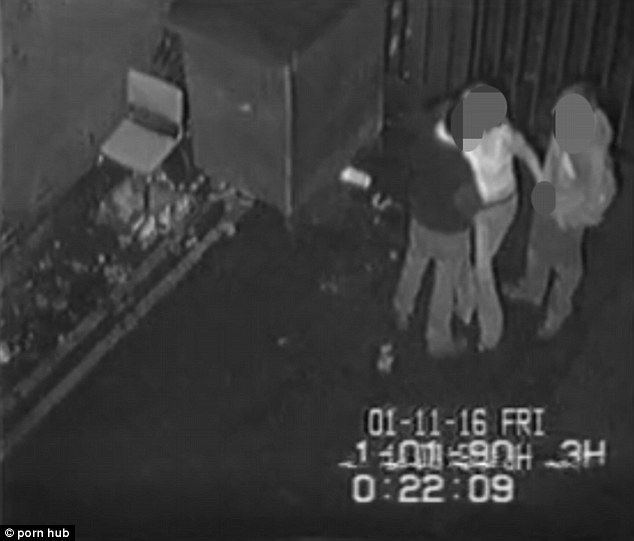 Caught on CCTV: Couple Makes out and Goes All the Way at the Alley Outside a Nightclub! Unbelievable!