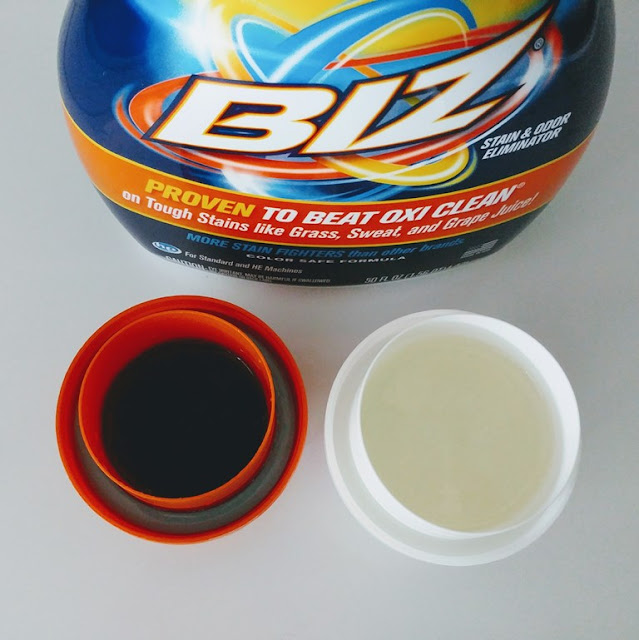 Biz Stain Fighter and laundry detergent easily remove makeup stains #ad #brandambassador
