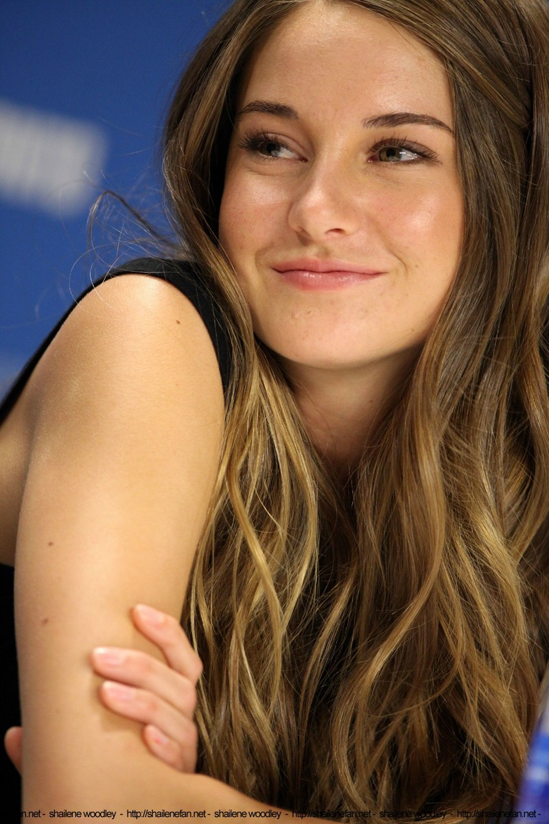 Reply, The descendants shailene woodley and think