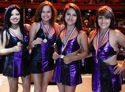 Foto de antiguas integrantes de Corazón Serrano