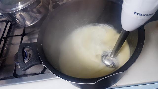 Crema de puerros, almejas Espinaler y aire de cítricos elcoladorchino
