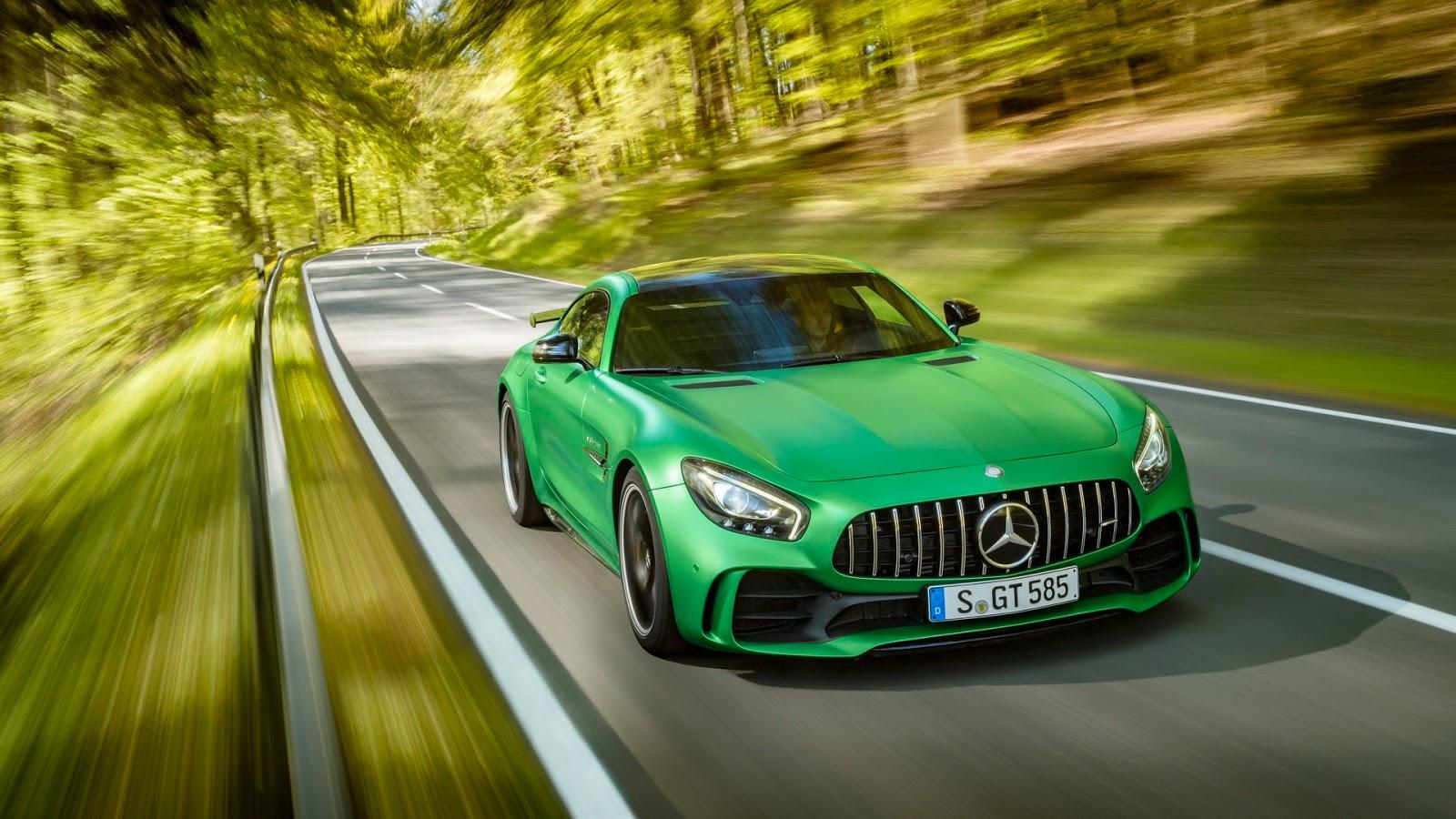 Mercedes-AMGGT-R-9