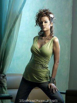 Hottest Images Of Esha Gupta Desi Angelina Jollie(Actress in Jannnat 2 and Raaz 3)