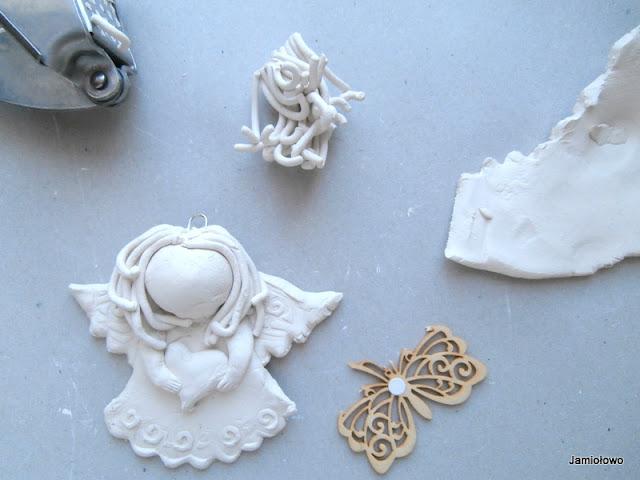 formowanie fryzurki aniołka