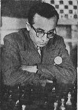 José Alonso jugando ajedrez