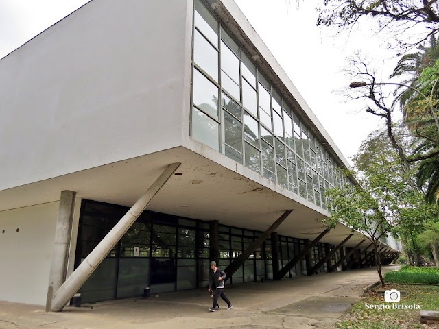 Vista ampla do Pavilhão das Culturas Brasileiras - Parque Ibirapuera - Vila Mariana - São Paulo
