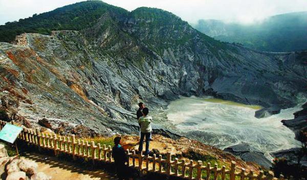 Gunung tangkuban parahu lembang