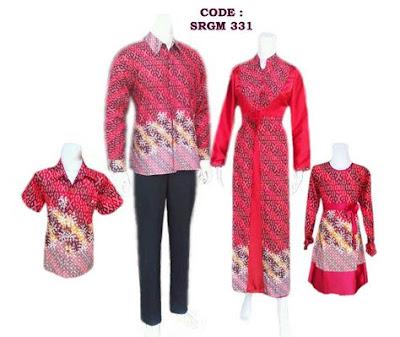 Gamis batik sarimbit untuk keluarga muslimah