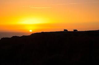 Puesta de Sol sobre los acantilados de Carrapateira