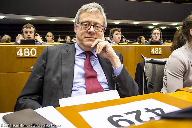 Stand Up For Europe - Parlement européen - Photo by Ben Heine