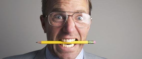 هل تصاب بالصداع بشكل متكرر؟.. قلم رصاص هو الحل!