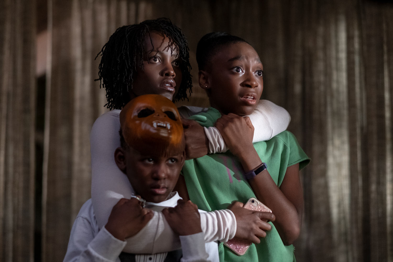 NOSOTROS - pelicula - Lupita Nyong'o, Shahadi Wright Joseph y Evan Alex