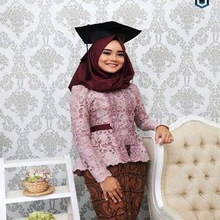 hijab yang cocok untuk kebaya kutubaru