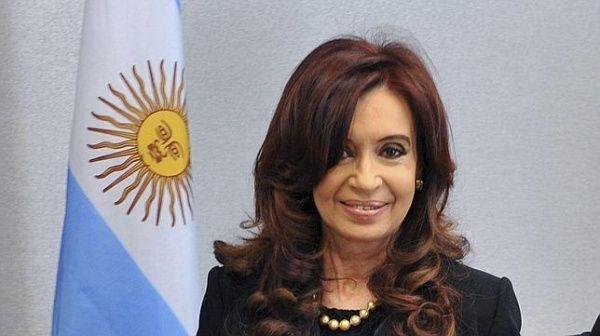 Fiscalía argentina pide a CFK declarar sobre caso AMIA