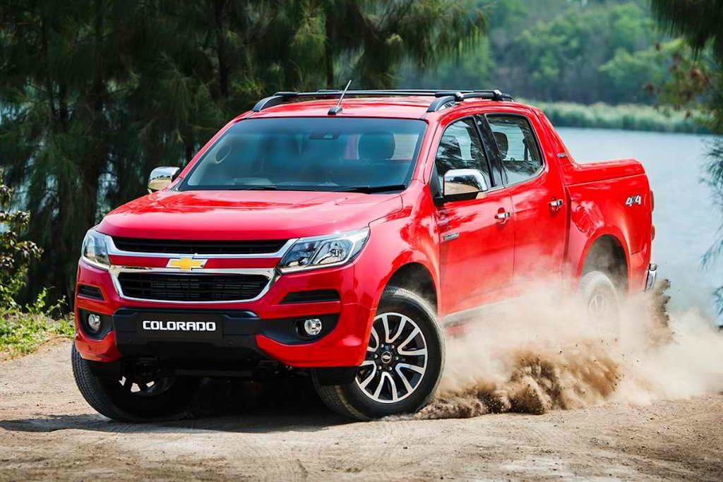 2017 Chevrolet Colorado High Country vs 2016 Ford Ranger Wildtrak vs 2016 Nissan NP300 Navara ...