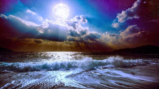 Fondo de pantalla Luna Llena sobre el Oceano