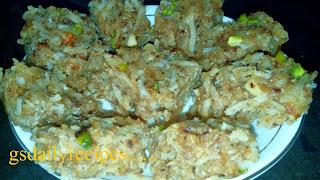 नारियल की बर्फी बनाने की विधि - coconut burfi recipe - nariyal barfi recipe in hindi - how to make coconut burfi