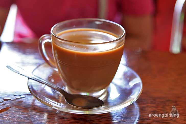 rumah kopi gembira kawangkoan minahasa