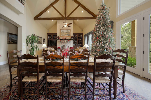 'Tis the Season: Christmas Decorating at the Highest Level. Two San Antonio Area Homes That Dazzle