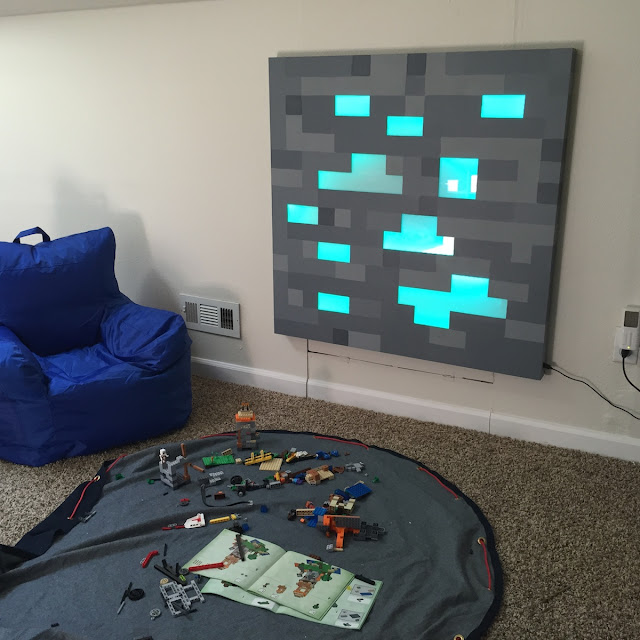 This DIY Life-Size Glowing Minecraft Block Would Make An
