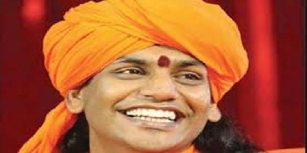 Nityanand-ko-kumbh-me-bulane-ko-lekar-pashopesh-me-akhada