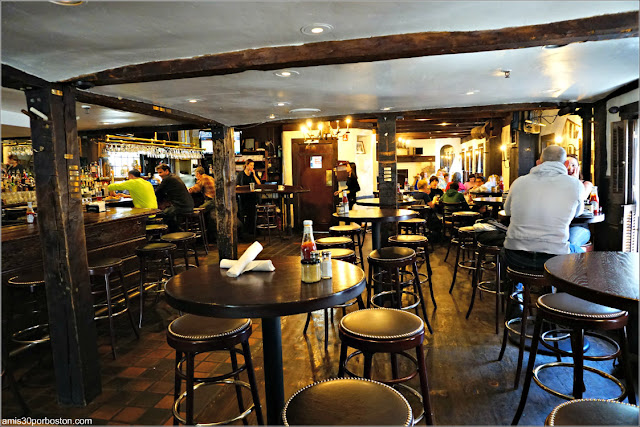 Bar de Warren Tavern en Charlestown, Boston