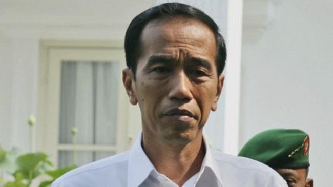 Jokowi disarankan mundur setelah tiga tahun menjabat sebagai presiden RI.