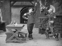 "Кадр из фильма Чарли Чаплина ""Пародия на Кармен"" / Burlesque on Carmen (1916) - 16"