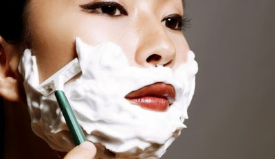 Japonya'da yaşayan kadınların bu yöntemi yıllarca kullandığı ve traş olmayı güzelliğin bir parçası olarak gördüğü de öne sürüldü.