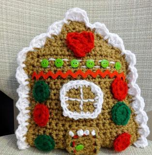 http://translate.google.es/translate?hl=es&sl=en&u=http://www.fiberfluxblog.com/2013/12/free-crochet-patterngingerbread-house.html&prev=search