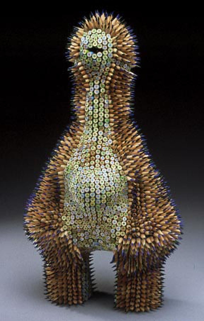 07-Echinimunculus-Jennifer-Maestre-Creature-Pencil-Sculptures-with-a-Peyote-Stitch-www-designstack-co