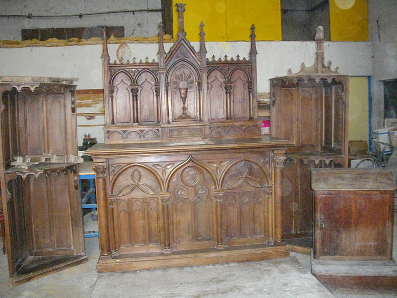 ancien meuble d 39 glise religieux neo gothique tabernacle r table prie dieu. Black Bedroom Furniture Sets. Home Design Ideas