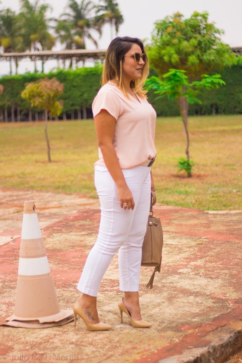 Look do dia:  tons claros com calça rosê e calça branca