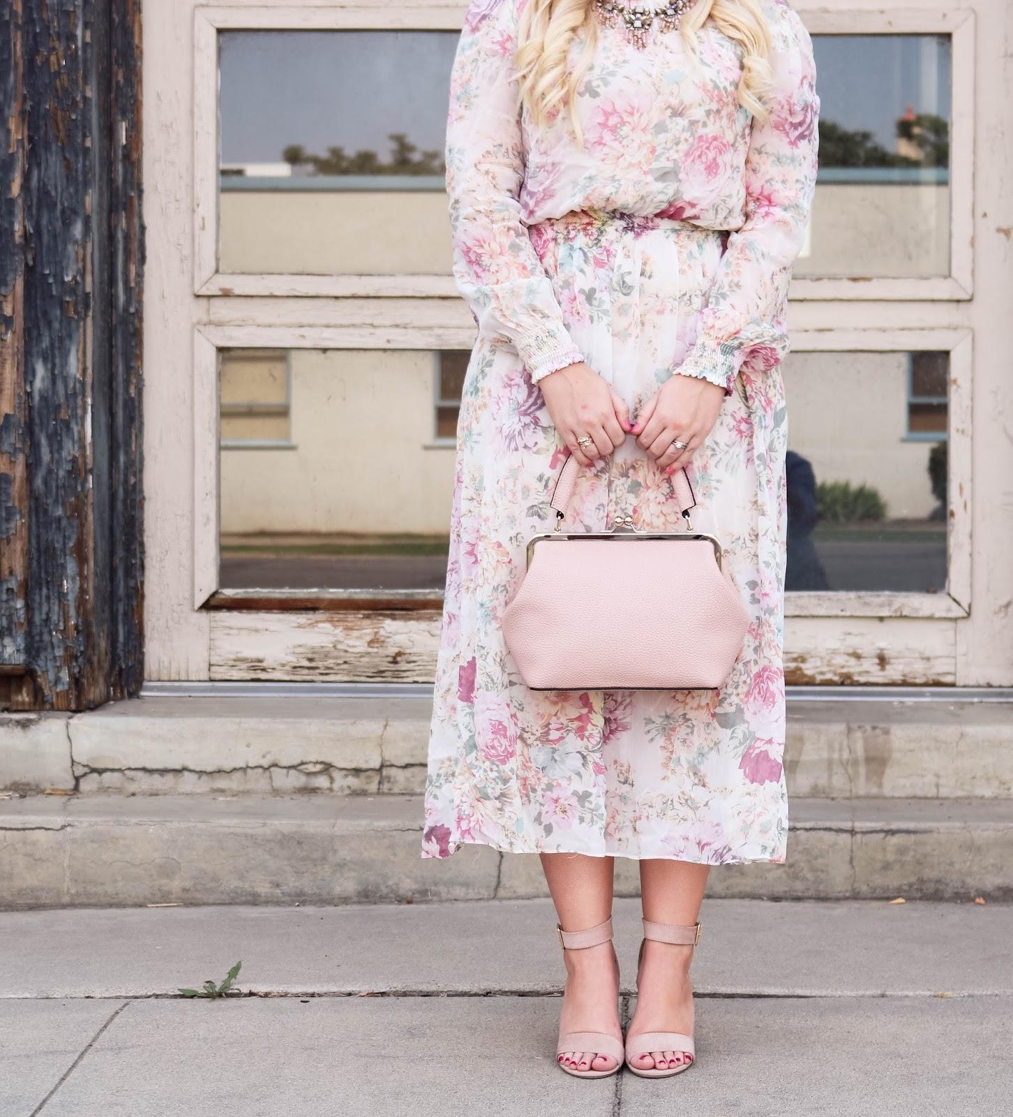 Elizabeth Hugen of Lizzie in Lace styles her blush pink JEMMA JoJo handbag