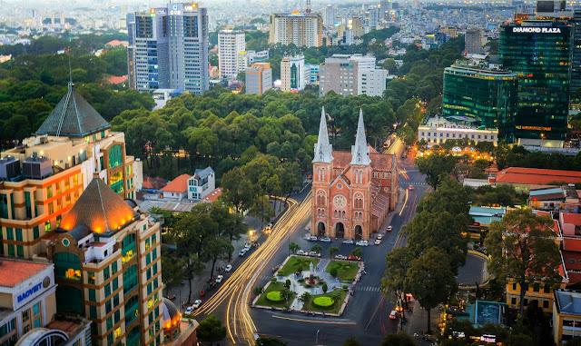 Nhà thờ Đức Bà ở Sài Gòn. Tác giả : tatuxd trên Flickr.