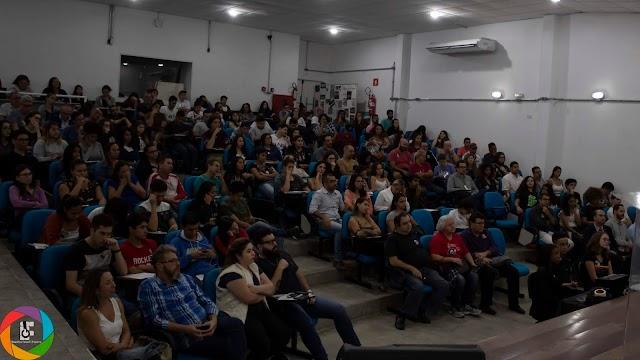 Fotos da palestra do dep. Ivan Valente na cidade de São Roque