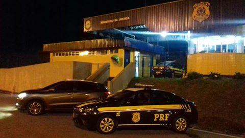 PRF recupera veículo roubado por erro de português no documento em Barra do Turvo