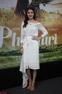 Anushka Sharma with Diljit Dosanjh at Press Meet For Their Movie Phillauri 005.JPG