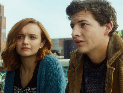Samantha Cook (Olivia Cooke) y Wade Watts (Tye Sheridan) en Ready Player One - Cine de Escritor