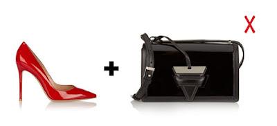Черная лаковая сумка и красные лаковые туфли